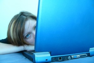 Интернет – зависимые подростки, более склонны к приему психотропных веществ