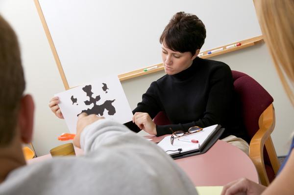 Бьющему работа психологом или психотерапевтом в москве