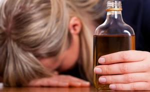 Губительная зависимость или три стадии женского алкоголизма
