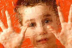 Учеными названа неизвестная причина аутизма