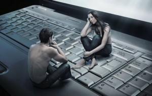 Психологи доказали: любви с первого взгляда в интернете не существует