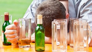 Алкоголизм собираются лечить клубными наркотиками